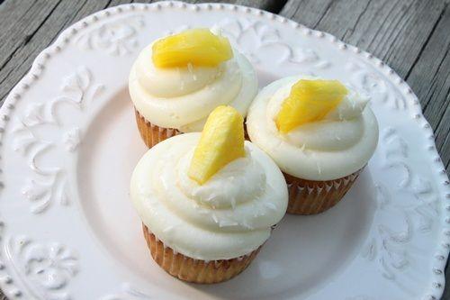 pina colada cupcakes: Pina Colada, Pina Colada Cupcakes 5, Cupcake Rosa-Choqu, Cakes Pop, Cupcake Recipes, Pina Colada Cupcake 5, Cupcake Ideas, Children Blog, Pineapple Frostings