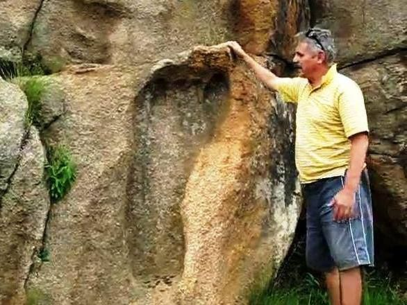 Ancient Giant Foot Print in South Africa (Giants are Nephilim meaning 'of the fallen', ie son's of the fallen angels, what we call aliens)