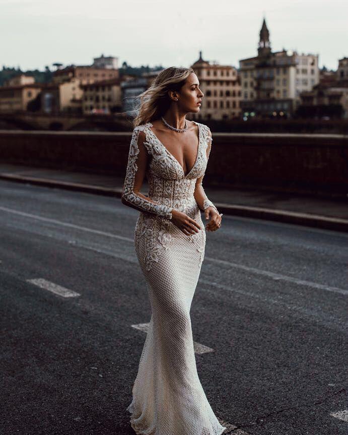Bella – Le Secret Royal Partie I – Robes de mariée