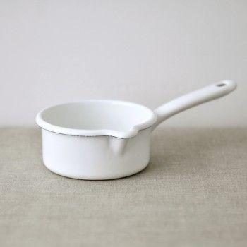 White enamel saucepanEnamels Pots, White Pots, Households Basic, White Enamels, Enamels Saucepan, Reiss Enamelware, Casseroles En, Design Blog, Casseroles Blanche