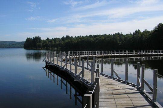 balade dans le morvan : lac des settons