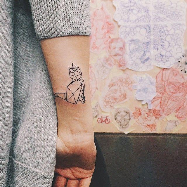 Geometric Cat Tattoo Seen On Masha Sedgwick Tattoos Minimalist