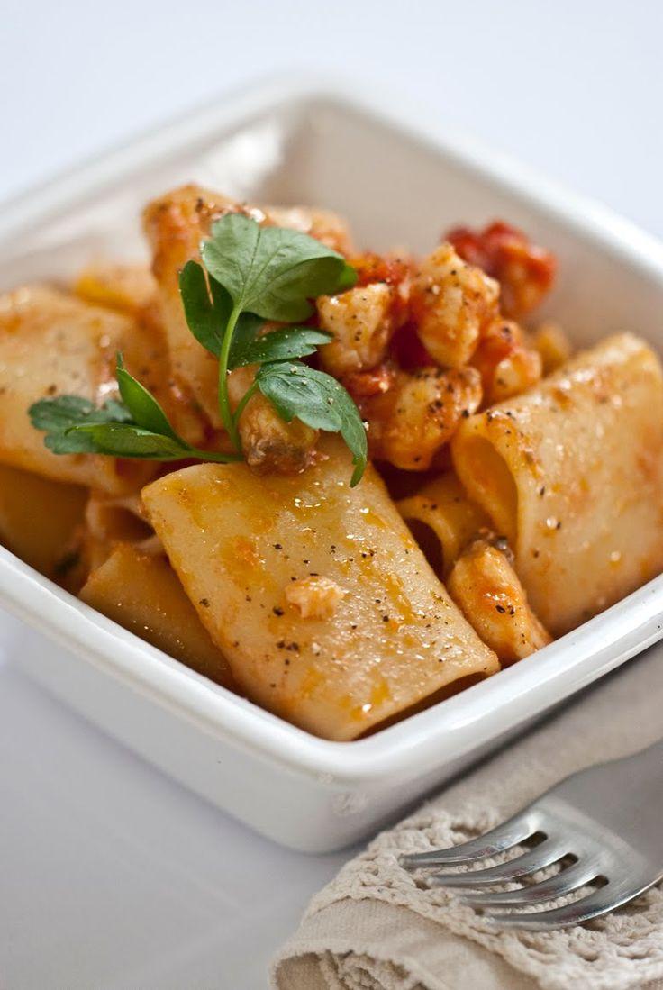 Per completare il menù della ricetta del filetto di rana pescatrice  ho pensato di preparare anche la pasta con la rana pescatrice   E' ...