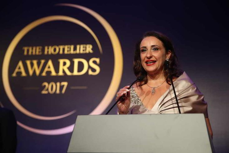 Janet McNab Receives Top Honors at The Hotelier Awards 2017 - Hotelier Indonesia News