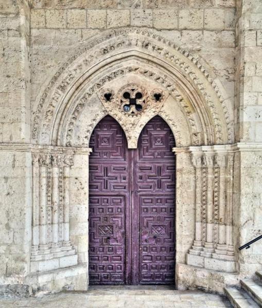 Portada Tardorrománica, Santa María de la Peña - Brihuega, La Alcarria, provincia de Guadalajara
