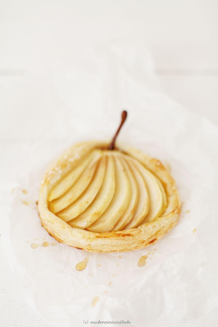 Vanilla Pear Tartelettes with Marzipan (use gluten free puff pastry / använd glutenfri smördeg)
