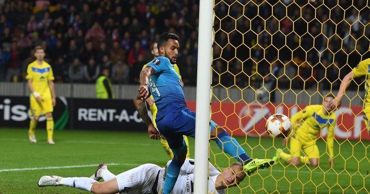 Banh 88 Trang Tổng Hợp Nhận Định & Soi Kèo Nhà Cái - Banh88.infoTin Tuc Bong Da -  (Kenhthethao) - Mặc dù chỉ tung ra đội hình 2 đến Belarus nhưng Arsenal vẫn tỏ ra quá mạnh so với BATE trong 45 phút đầu tiên.  Mặc dù phải làm khách nhưng Arsenal tỏ ra quá mạnh so với đội chủ nhà. Trận đấu trôi qua 30 phút thì đội khách đã có 3 bàn thằng trong đó có cú đúp của Walcott và 1 bàn của trung vệ Holding. Trong khi đó đội chủ nhà cũng có 1 bàn rút ngắn ở phút 28 người lập công chính là cầu thủ chơi…