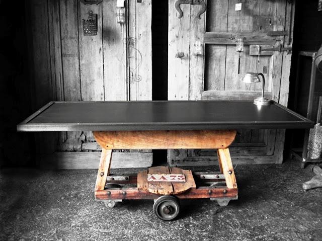 """Taula mod. """"Industry"""" amb sobre de zinc i caballet industrial  Sobre i mides a escollir: ferro, fusta envellida,.."""