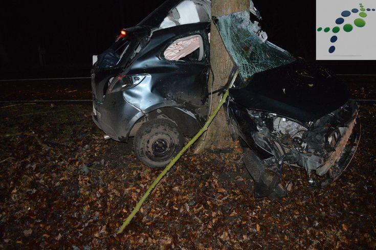 Viel Glück hatte ein 20jähriger bei einem Unfall auf der Landstraße 127 in Ahrensmoor. Nach dem er die Kontrolle über seinen Wagen verloren hatte, steuerte der Fahrer erst in den Seitenraum und prallte 50 Meter weiter vor einen Baum. Er kam zur Behandlung ins Stader Klinikum. Die Polizei sucht Zeugen zum Unfall oder zur Fahrweise des Mazdafahrers.   #20jähriger #Ahrensmoor #elbeklinikum #glückimunglück #landkreisstade #mazda #Rettungsdienst #stade #Unfall