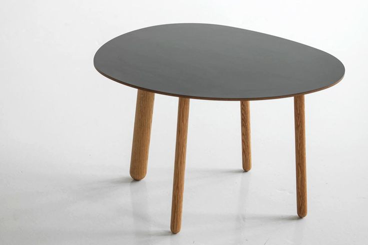 Morris coffee table model 1 in matte black