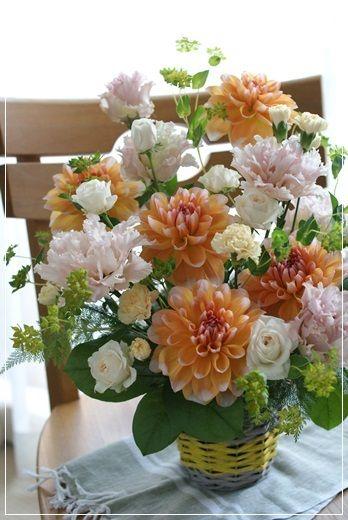 【今日の贈花】開店祝には大輪のダリアで|Flower note の 花日記 (横浜・上大岡 アレンジメント教室)