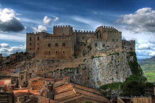 Caccamo (PA) - Il Castello, lato est.