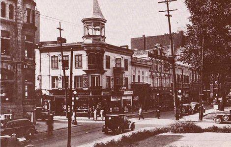 Rue St-Joseph, à l'angle de la rue de l'Église vers 1940