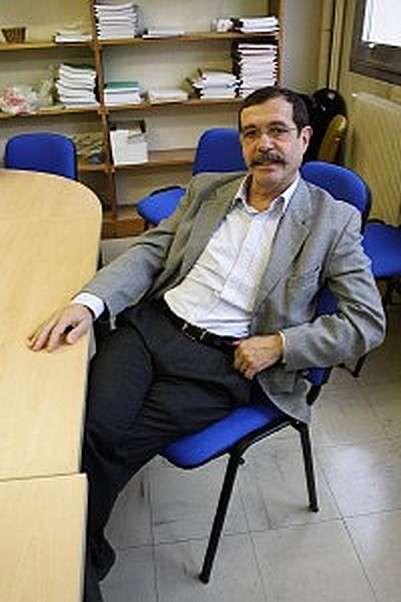 Déjà médaille d'or du CNRS en 2005, le physicien français Alain Aspect vient de recevoir le prix Wolf, en compagnie de John F. Clauser (Etats-Unis) et Anton Zeilinger (Autriche). Presque...