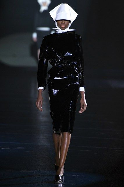 Mugler - www.vogue.co.uk/fashion/autumn-winter-2013/ready-to-wear/mugler/full-length-photos/gallery/944366