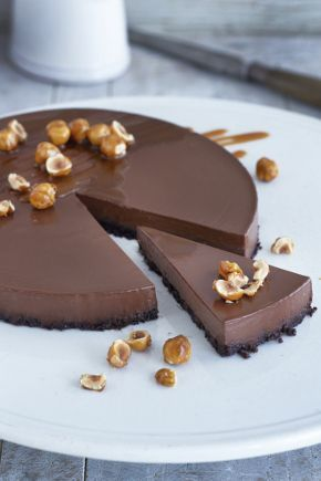 REVERSE CHOCOLATE CRUMBLE This is a truly beautiful dessert with serious chocolate power. Chef Raymond Blanc