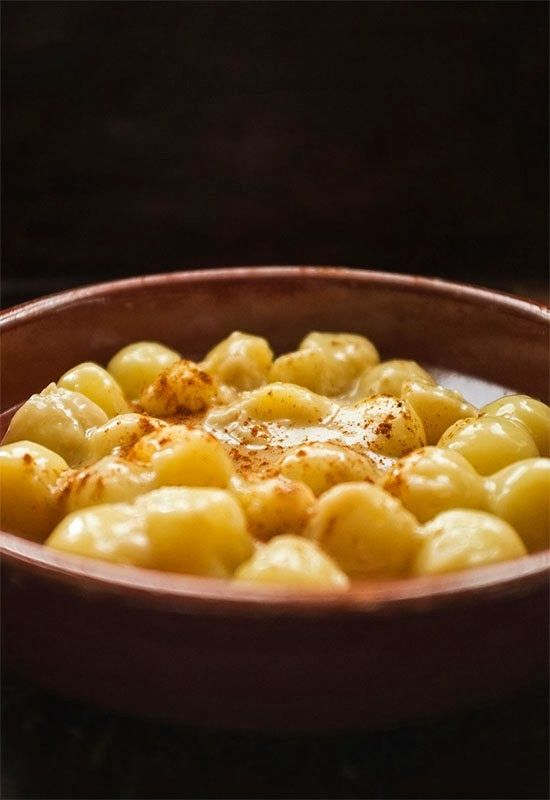 """Receta 224: Patatas redondas guisadas con vino blanco » """"1080 recetas de cocina"""", de Simone Ortega."""