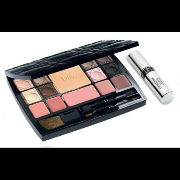 Christian Dior makeup palette 24 hpur sale!!!Couture Palette Edition Voyage Total Makeover Palette: 1? Diorskin Forever Compact 1 Diorblush 1?Diorshow Iconic Mascara 2x Dior Addict Lip Maximizer 1x Dior Addict Gloss 1x Rouge Dior Nude Lipstick Eyeshadow 8.only the gloss was used once . everything is like new.2015 edition. Dior Makeup