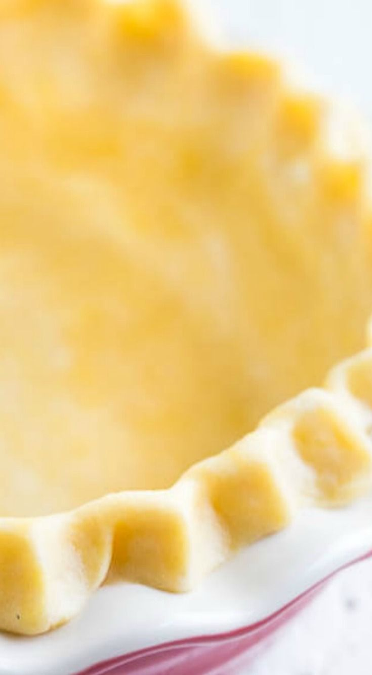 Foolproof All-Butter Pie Crust ~ A great pie starts with flaky buttery pie crust...  Foolproof all-butter pie crust recipe with tips and tricks on how to store/freeze, blind bake and how to avoid annoying shrinking issues.