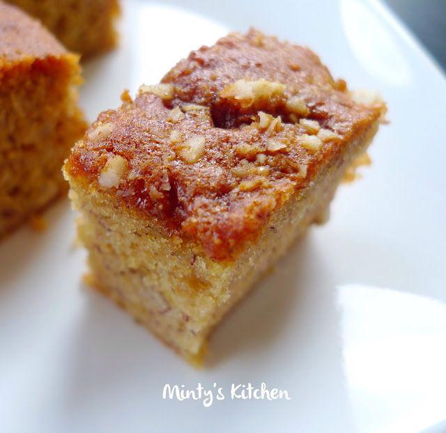 Banana-Macadamia Sponge Cake