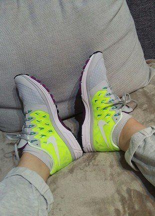 Kup mój przedmiot na #vintedpl http://www.vinted.pl/damskie-obuwie/inne-sporty/17259276-wmns-nike-zoom-vomero-9