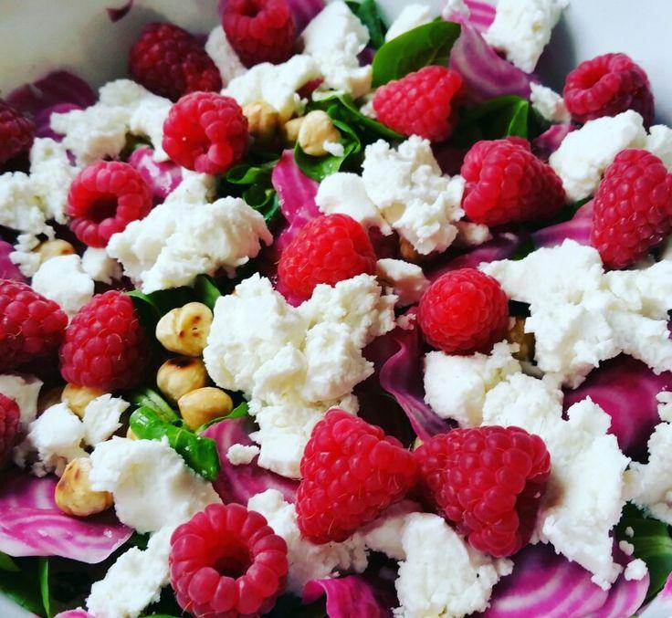 Salade van veldsla en chioggia biet