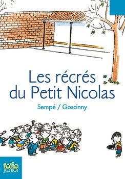 http://www.gallimard-jeunesse.fr/Catalogue/GALLIMARD-JEUNESSE/Folio-Junior/Les-recres-du-Petit-Nicolas  L'école, c'est pour les copains. Pour cette raison évidente, Nicolas aime beaucoup l'école, surtout pendant les récrés.   Mais les récrés d'Agnan, Eudes, Alceste, Joachim, Maixent, Rufus, Clotaire, Geoffroy et du petit Nicolas ont-elles lieu entre les cours ou pendant les cours ? C'est souvent la question que se posent le Bouillon, le surveillant, le directeur et la maîtresse…