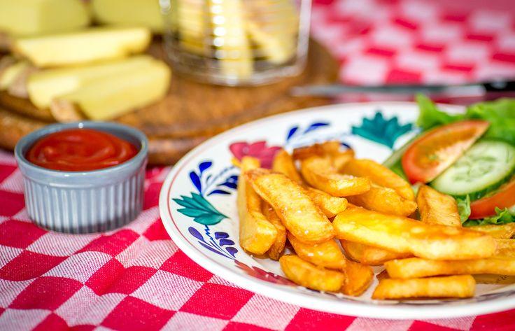 Verras je oma met zelfgemaakte frietjes volgens grootmoeders recept. #8 op de Heinz 57 #foodlist. Ga naar www.heinz.nl/57  Surprise your grandma with homemade fries according to grandmothers recipe.  #8 on the Heinz 57 #foodlist. Go to: www.heinz.nl/57  #foodlist #bucketlist #food #foodplaces #newyork #ketchup #heinz #smaak #smaakbeleving #foodbeleving #57 #foodexperience #experience #friet #frites #recipe #recept