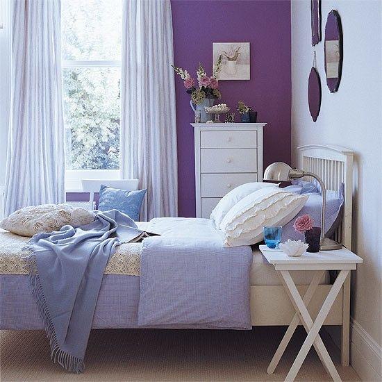 Schlafzimmer mit lila Akzent Schattierungen Wohnideen Living Ideas