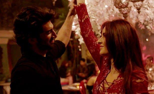 Watch the video of Aditya Roy Kapur & Katrina Kaif's passionate love song From Fitoor - Cine Newz