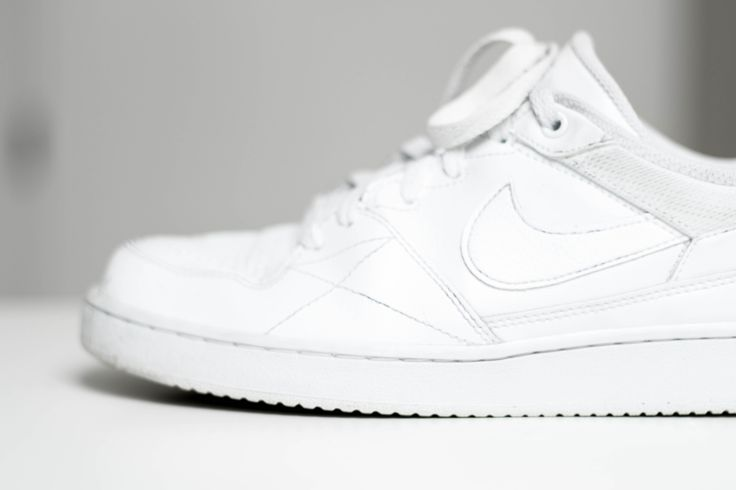 Witte schoenen en sneakers schoonmaken