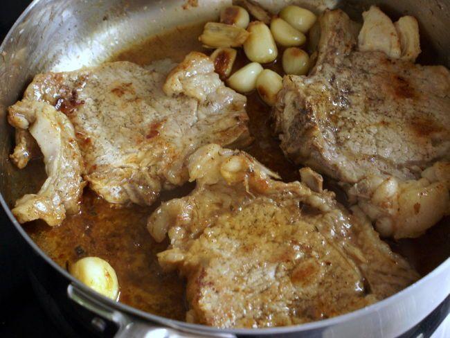 Côtes de veau à la gousse d'ail