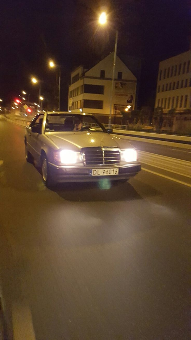 Slow mo night ride mercedes benz 124