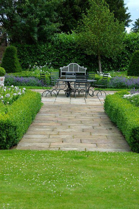 591 best gardens landscapes images on pinterest for Formally designed lawn