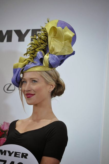Love this colour with a classic black outfit. ༺✿.MaD HaTTeR.✿༻Melbourne Cup