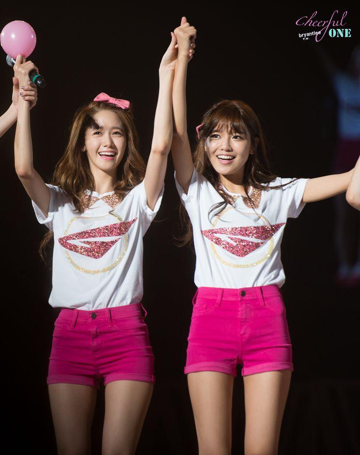 Snsd Yoona & Sooyoung