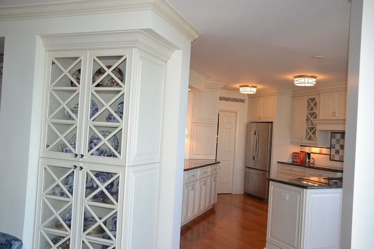 White Glass Kitchen Cabinets.