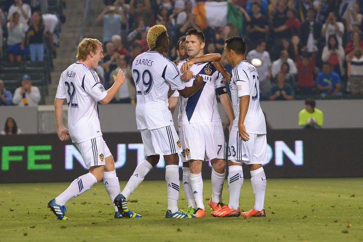 Galaxy captain Robbie Keane scores two PKs in comeback win vs Columbus