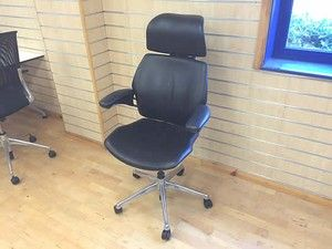 Humanscale 'Freedom' chairs with headrest - sleek black leather :-)