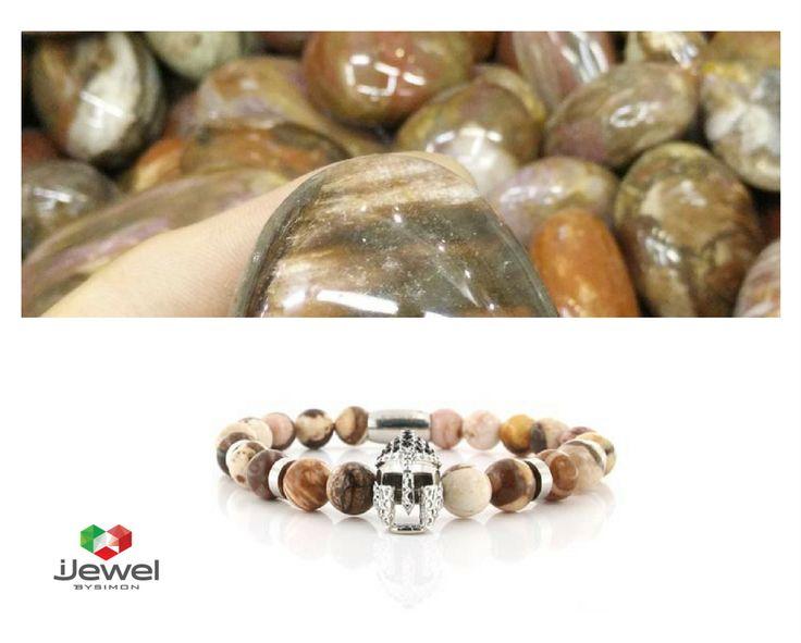 Bracciale collezione Maracaibo con perle semi-preziose e elemento in acciaio zirconato.