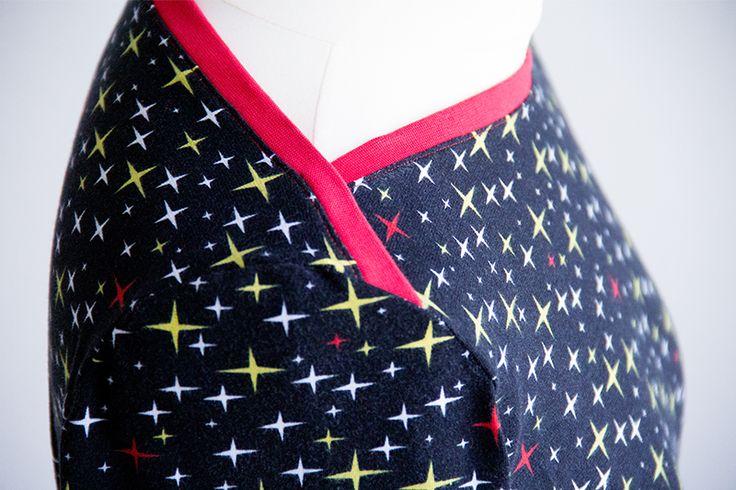 Den U-Boot-Ausschnitt vom Schnittmuster Shirt Liv kann man verschieden nähen, z.B. als amerikanischen Ausschnitt