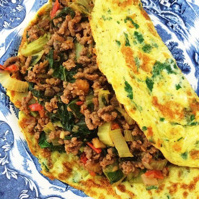 """Dus vanuit bed dat dan weer wel deel ik vandaag met jullie het recept voor de gevulde Thaise omelet. """"Thaise"""" omdat het ongetwijfeld niet geheel volgens de de regels van de Thaise keuken is bereid, maar er zeker op is geïnspireerd"""