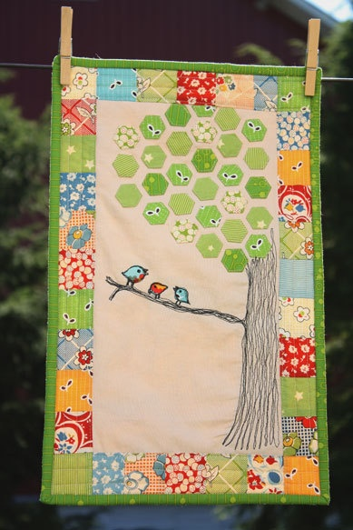 Love this! Free Motion Drawn Applique Birds in Hexagon Tree with Patchwork Border