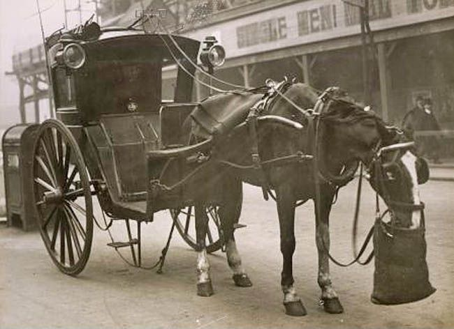 London Hansom Cab 1916 The Strand