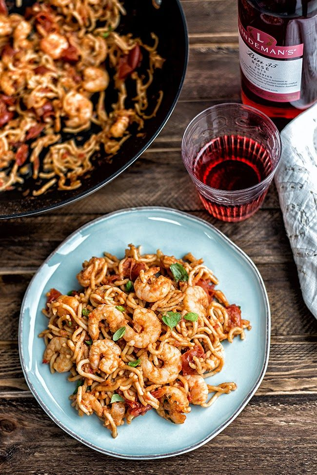 Can you cook a meal in 5 minutes? Yes you can! Delicious chilli prawn noodles. | Supergolden Bakes