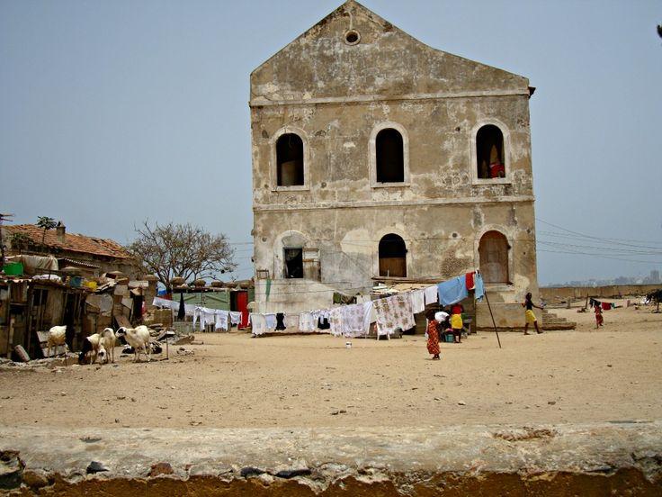 Linge étendu Île de Gorée- Blog Voyage Trace Ta Route www.trace-ta-route.com  http://www.trace-ta-route.com/senegal-escapade-dakar/  #tracetaroute #senegal #goree