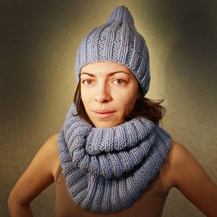 """Шапка-бини """"Blue Ice"""". Голубая вязанная шапка."""