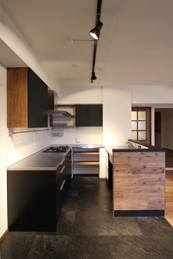 KITCHEN/キッチン/TILE/タイル/黒/black/フィールドガレージ/FieldGarage INC./リノベーション