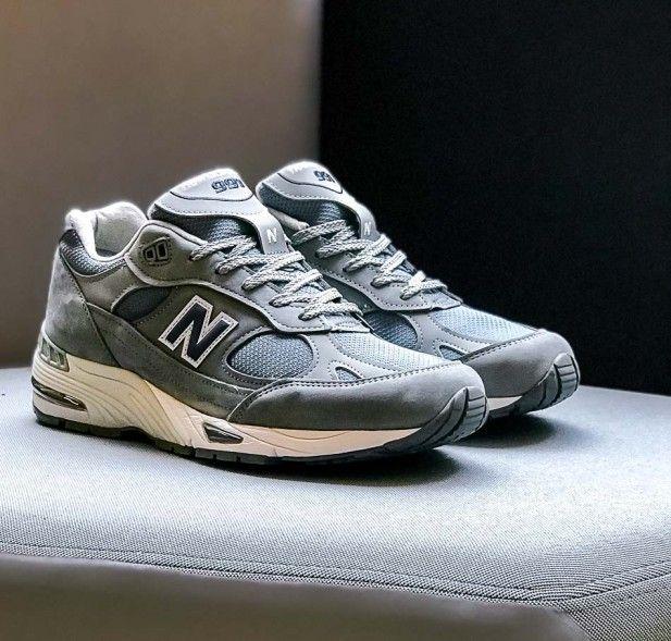Grauer New Balance M991 Ngn Grey Blue In Hochwertigem Mix Aus Nubuck Und Mesh Made In England Der 991er Ist Eines Der Selteneren New スニーカー 靴 スタイル
