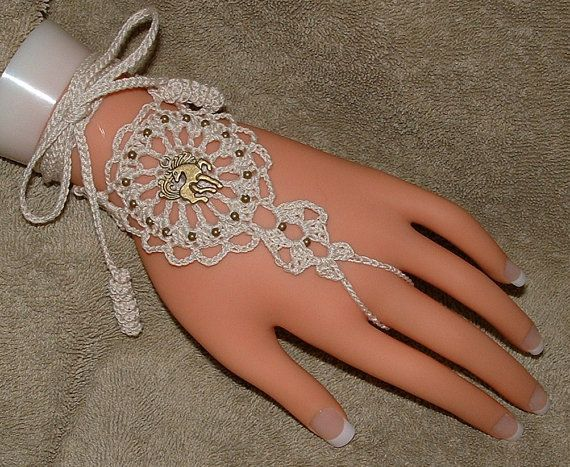 Crochet Barefoot Sandals Horse Bracelet Rings by gilmoreproducts33, $15.00